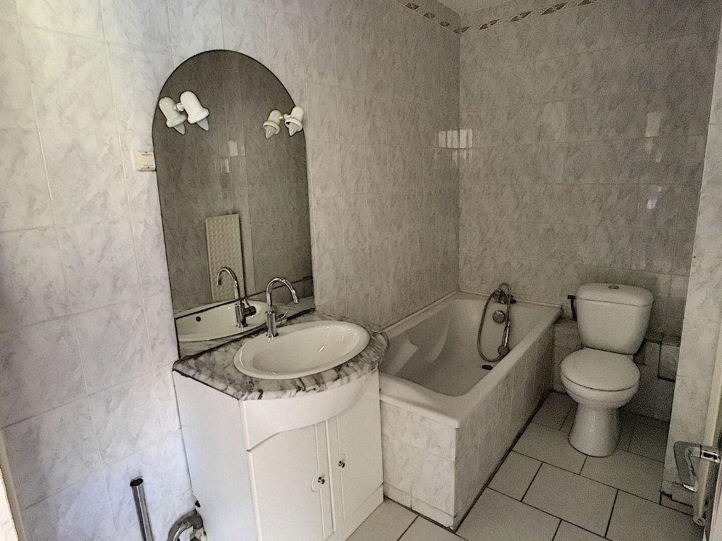 Appartement à louer 2 36m2 à Nancy vignette-5