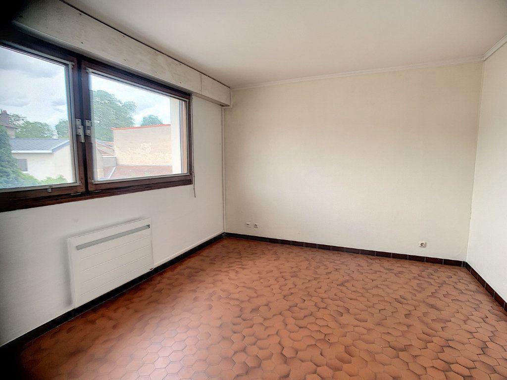 Appartement à louer 1 23.86m2 à Nancy vignette-1