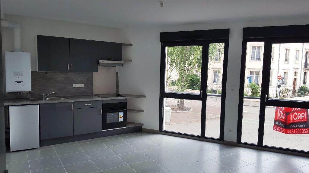 Appartement à louer 2 44.1m2 à Vandoeuvre-lès-Nancy vignette-1
