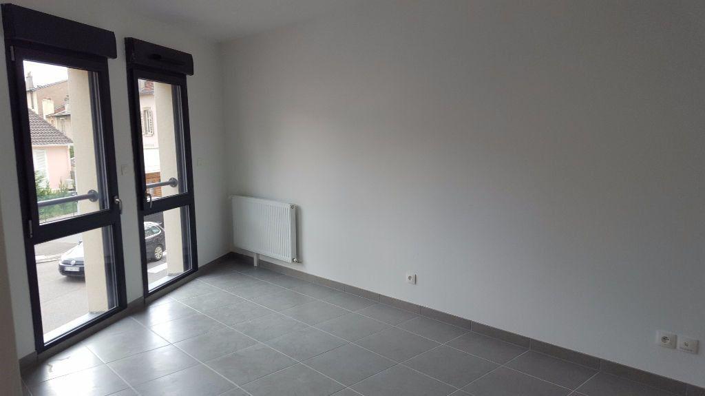Appartement à louer 2 44.1m2 à Vandoeuvre-lès-Nancy vignette-2