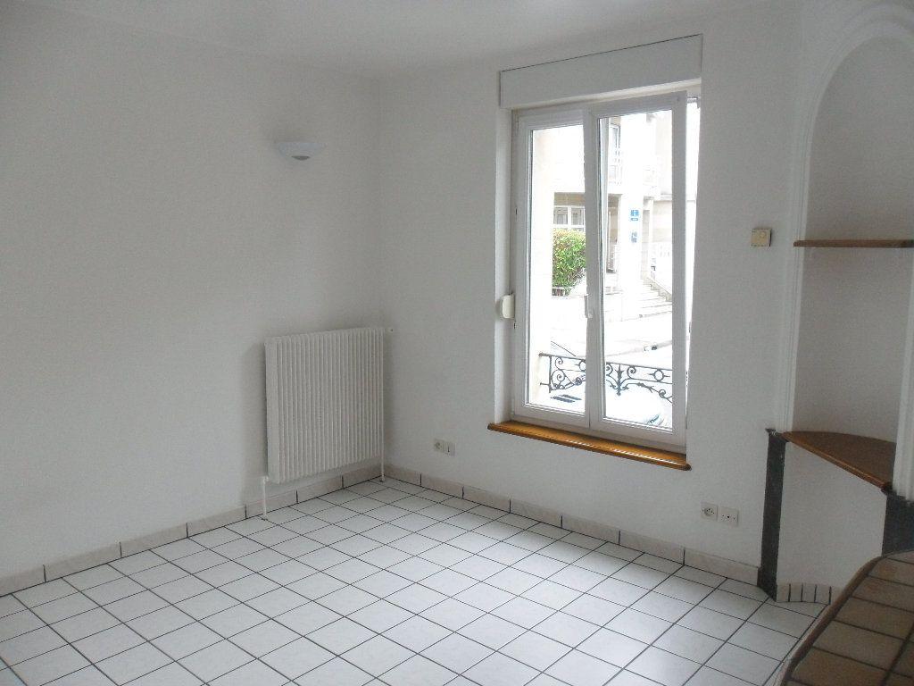 Appartement à louer 2 28m2 à Nancy vignette-2