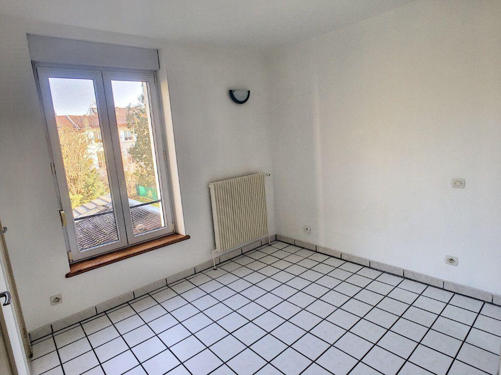 Appartement à louer 2 28m2 à Nancy vignette-4