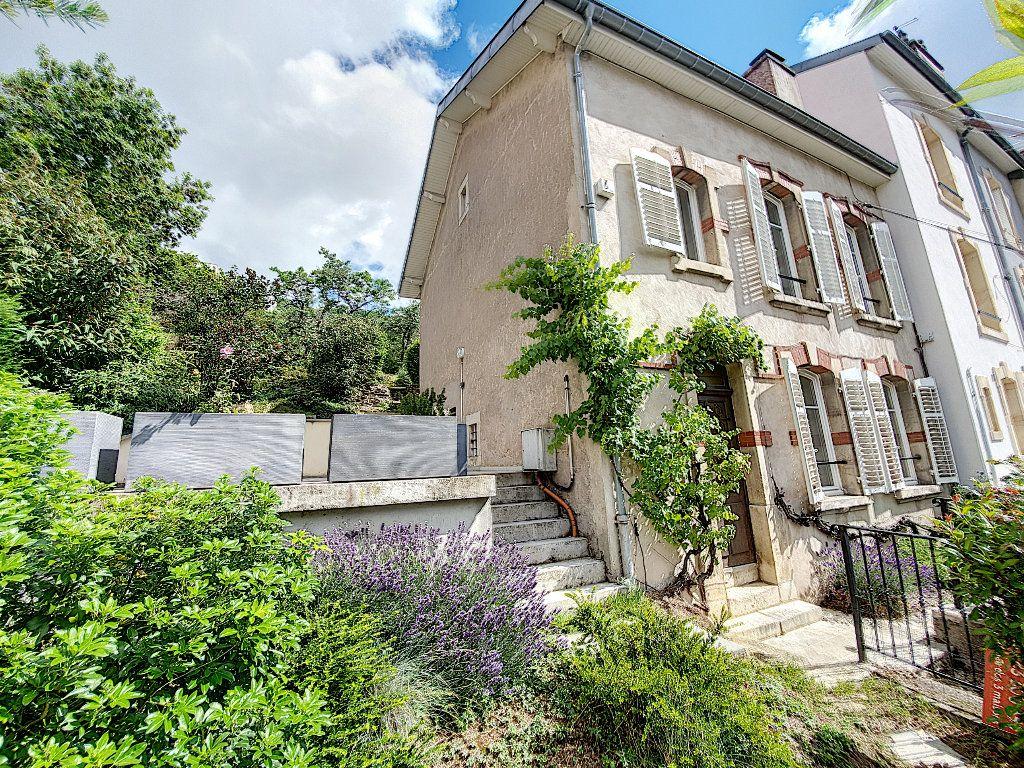 Maison à louer 5 107.12m2 à Nancy vignette-1