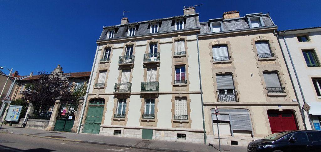 Appartement à vendre 5 104.36m2 à Nancy vignette-1