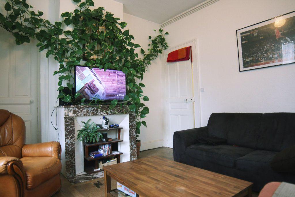 Appartement à louer 2 44.2m2 à Nancy vignette-2