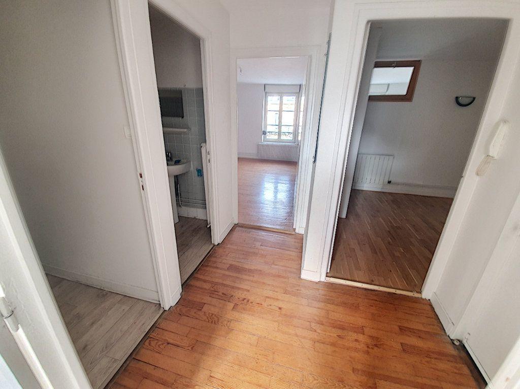 Appartement à louer 3 50m2 à Nancy vignette-2