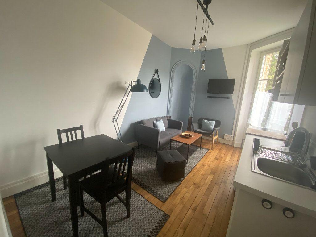 Appartement à louer 3 43.38m2 à Nancy vignette-1