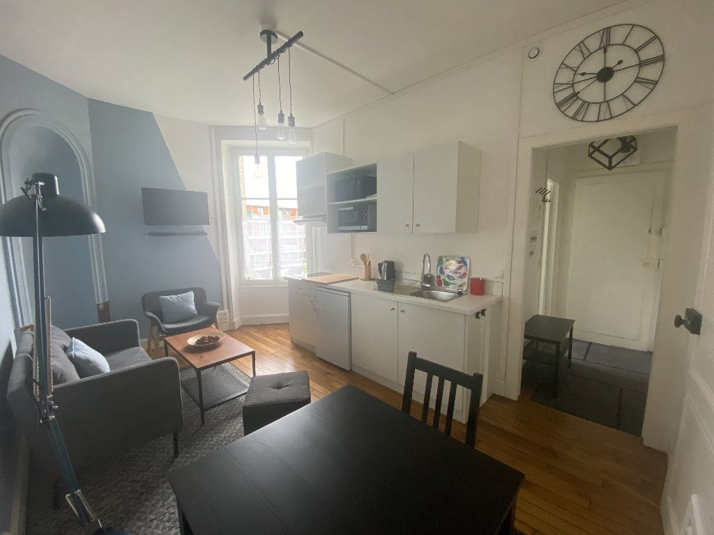 Appartement à louer 3 43.38m2 à Nancy vignette-2