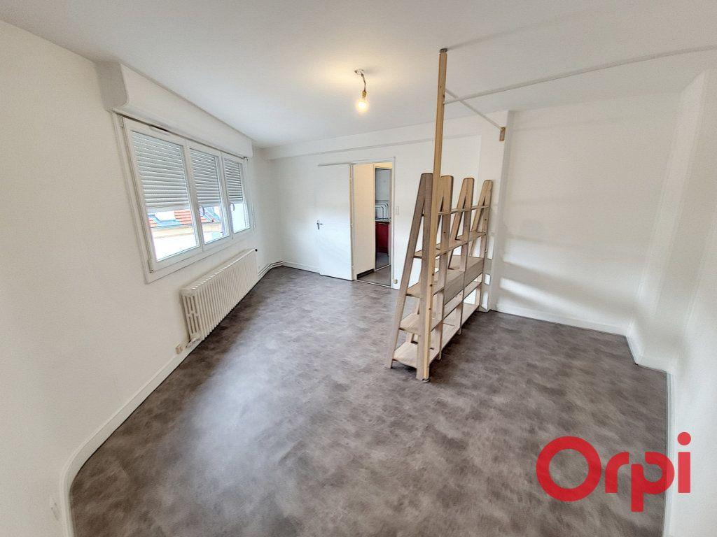 Appartement à louer 1 35m2 à Nancy vignette-3