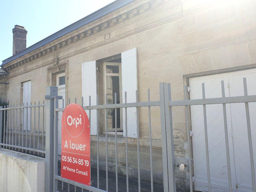 Maison à louer 8 200m2 à Mérignac vignette-1