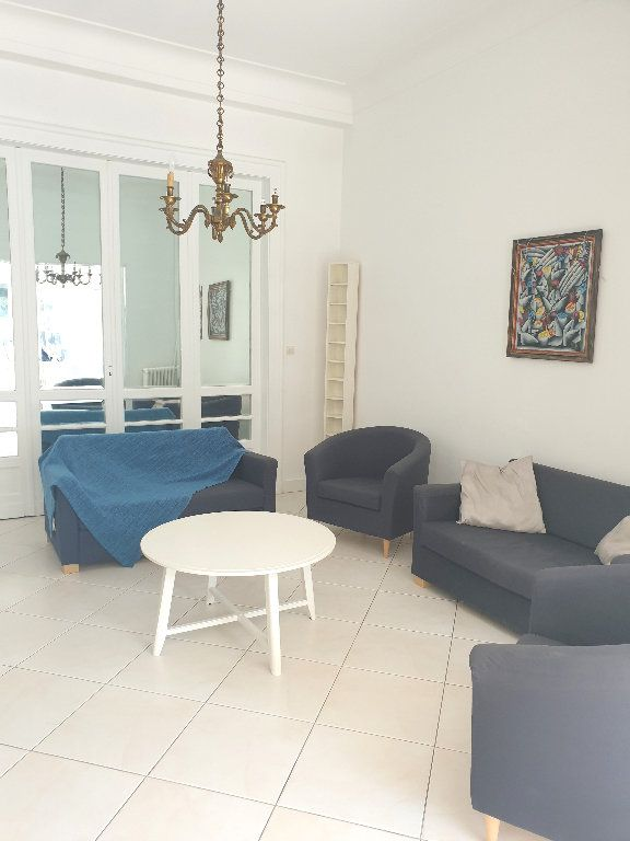 Maison à louer 8 200m2 à Mérignac vignette-4
