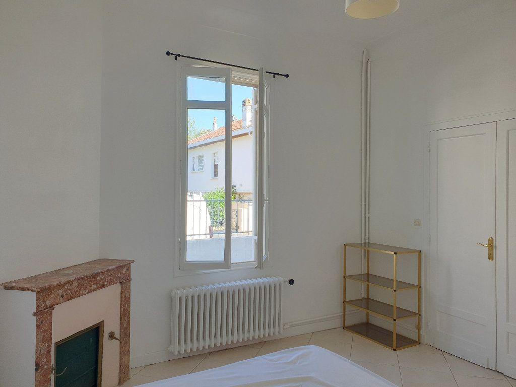 Maison à louer 8 200m2 à Mérignac vignette-7