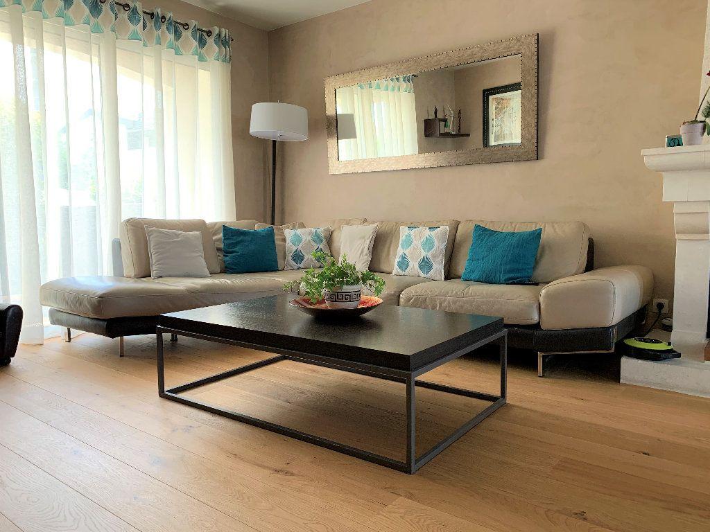 Maison à vendre 4 103m2 à Bruges vignette-3