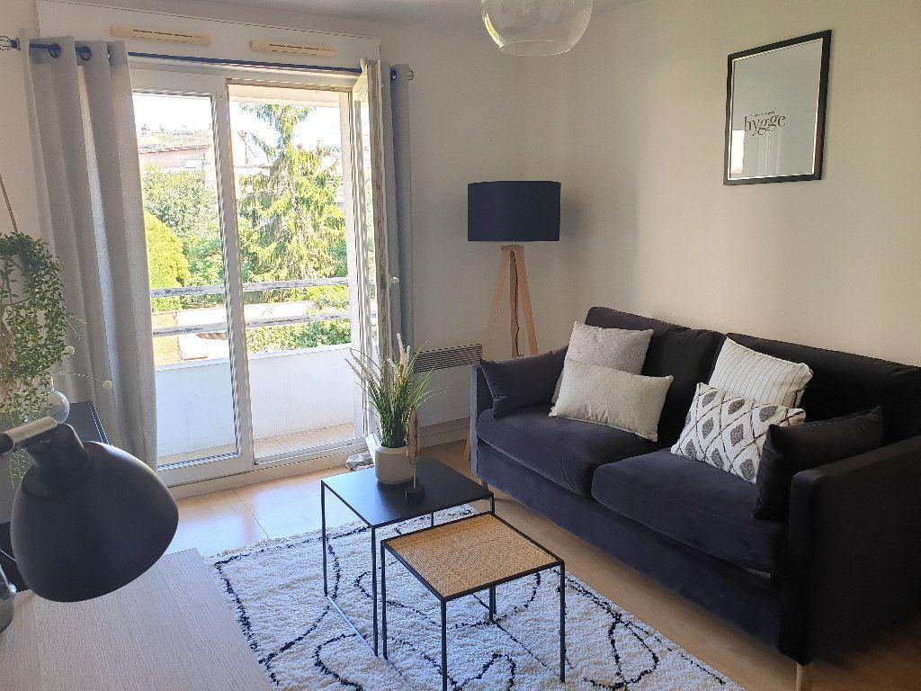 Appartement à louer 1 19.54m2 à Bordeaux vignette-1