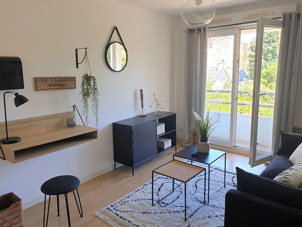 Appartement à louer 1 19.54m2 à Bordeaux vignette-2