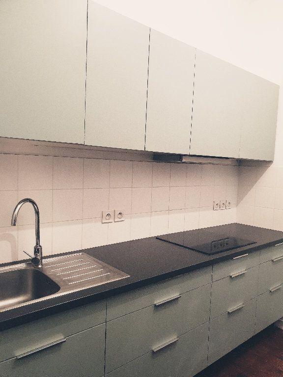 Appartement à louer 3 64.15m2 à Bordeaux vignette-5