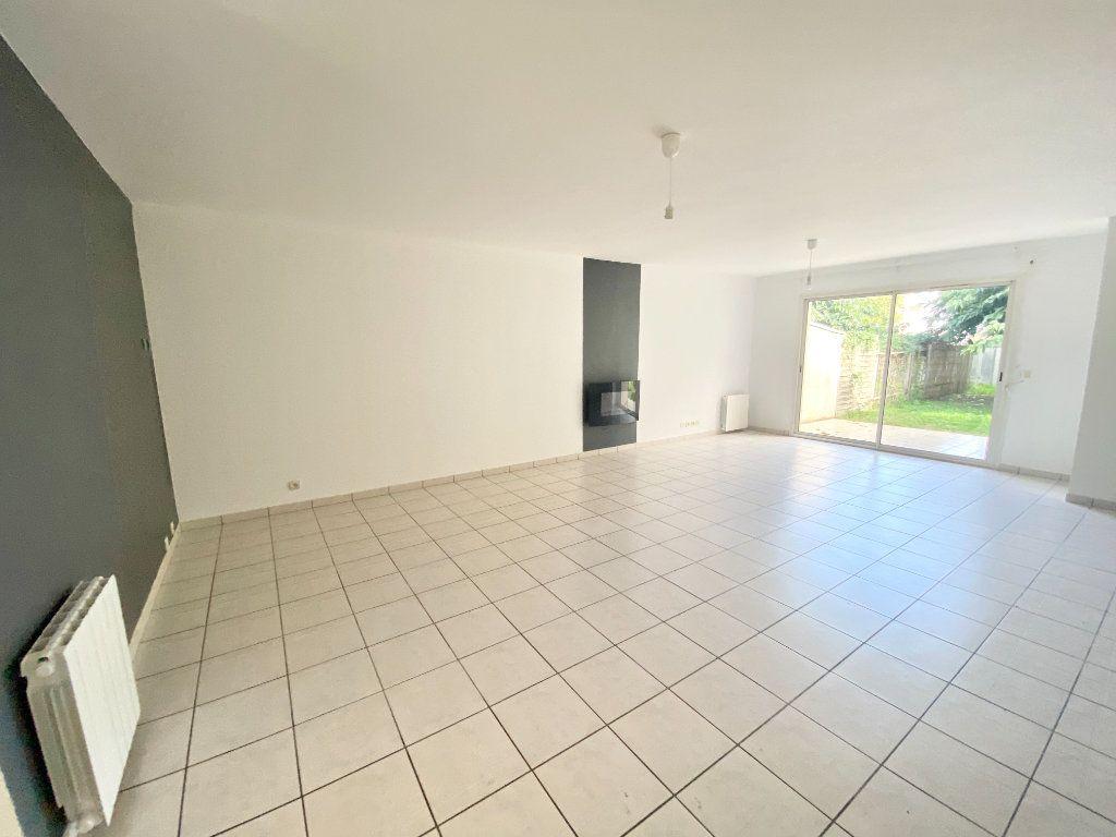Maison à vendre 4 103m2 à Bruges vignette-1