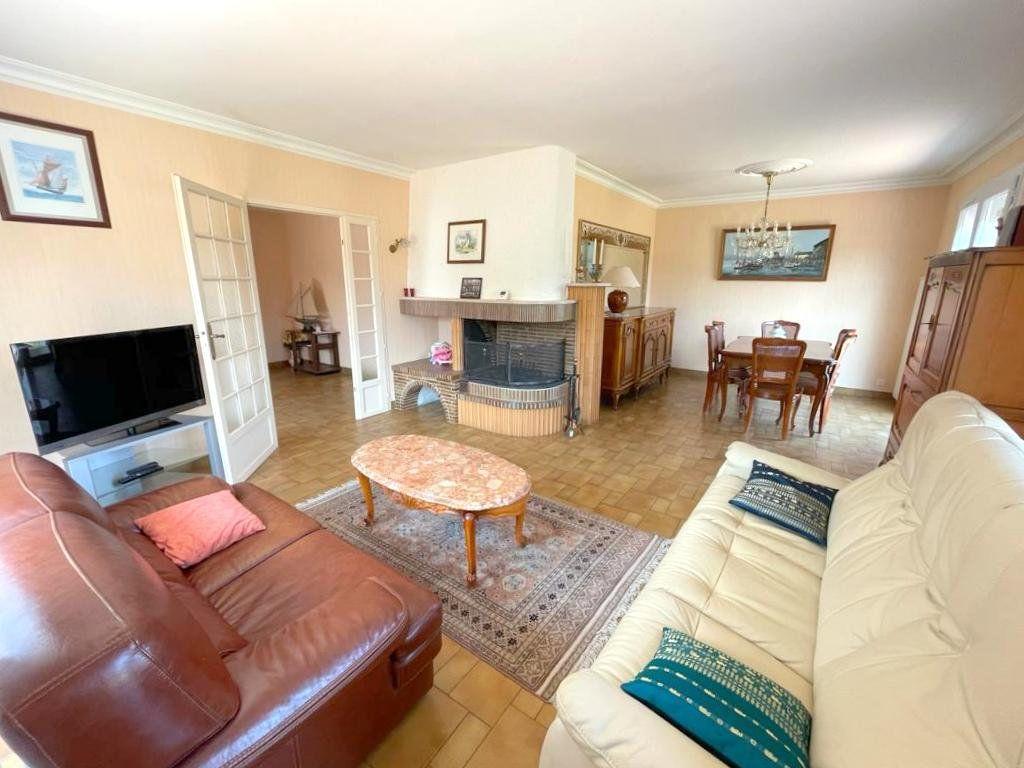Maison à vendre 5 122m2 à Mérignac vignette-2