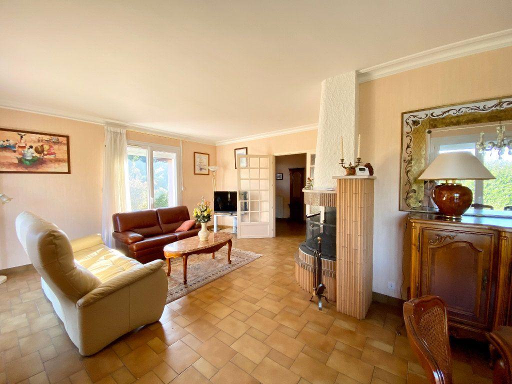 Maison à vendre 5 122m2 à Mérignac vignette-3