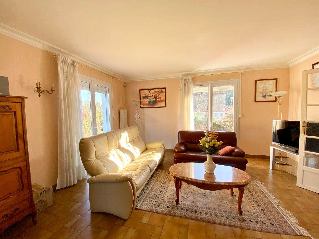 Maison à vendre 5 122m2 à Mérignac vignette-4
