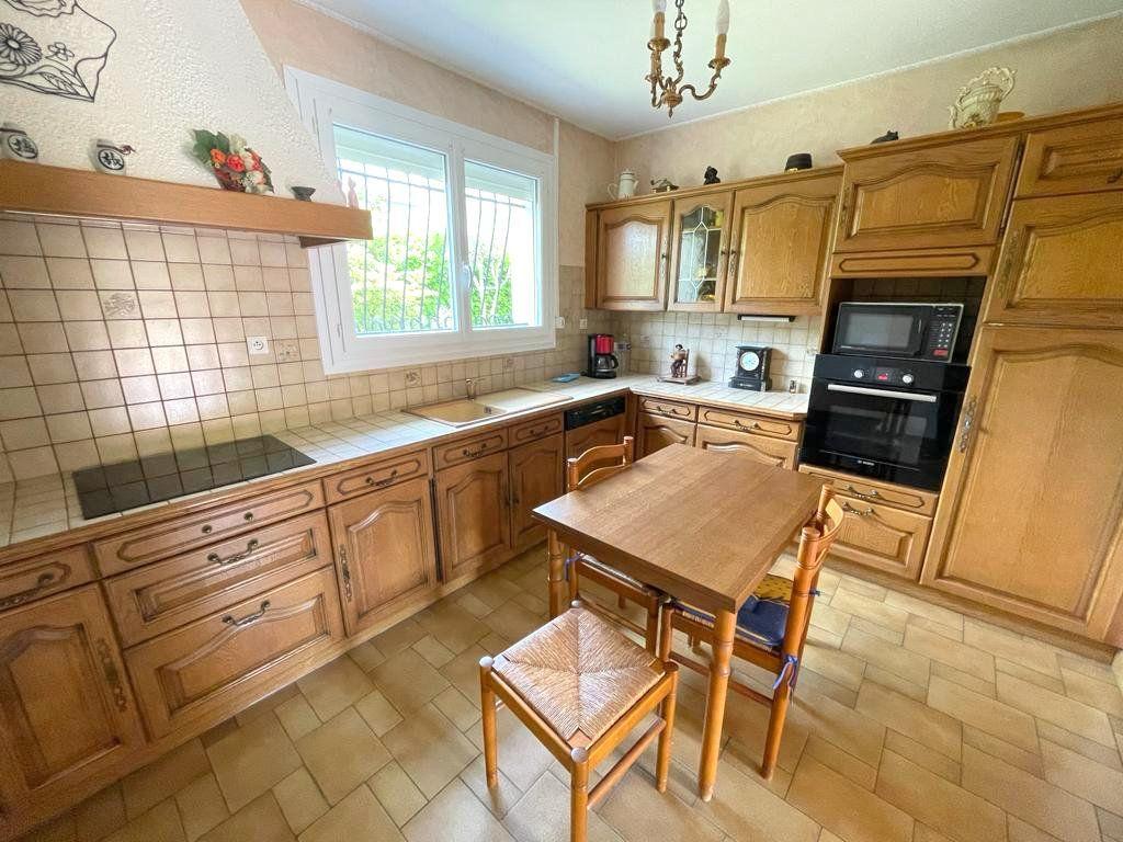 Maison à vendre 5 122m2 à Mérignac vignette-5