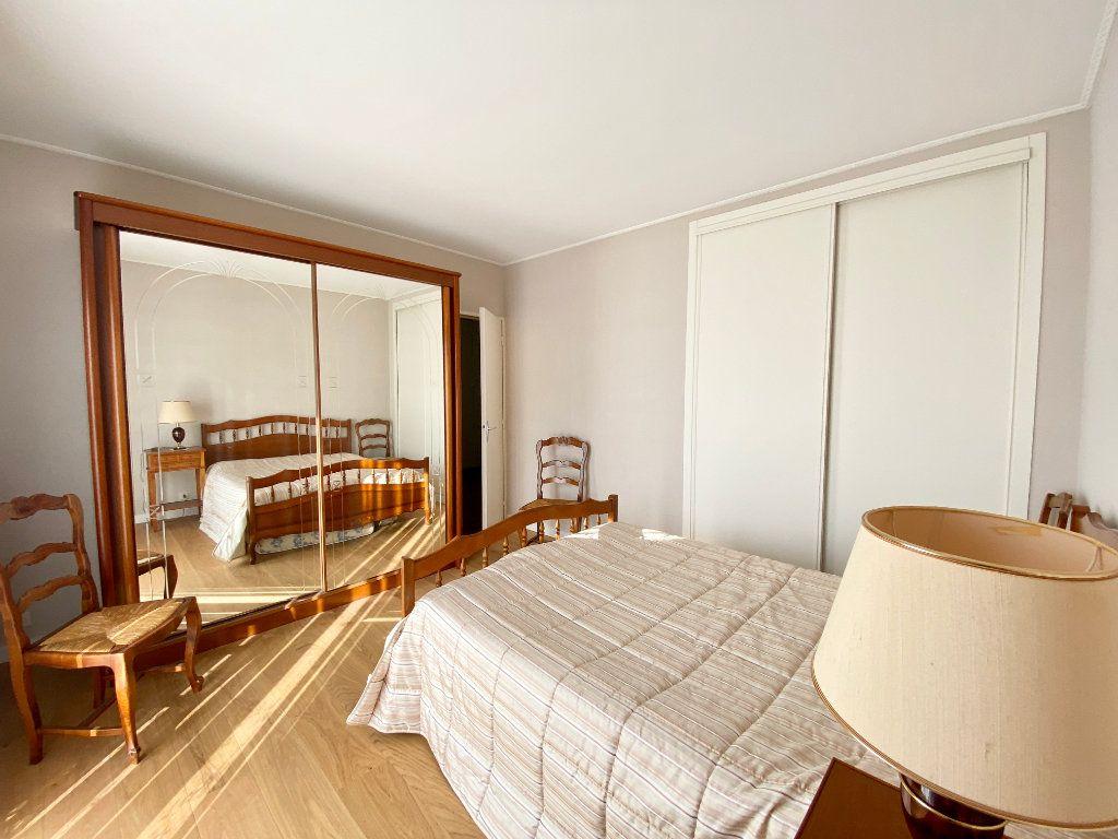 Maison à vendre 5 122m2 à Mérignac vignette-6