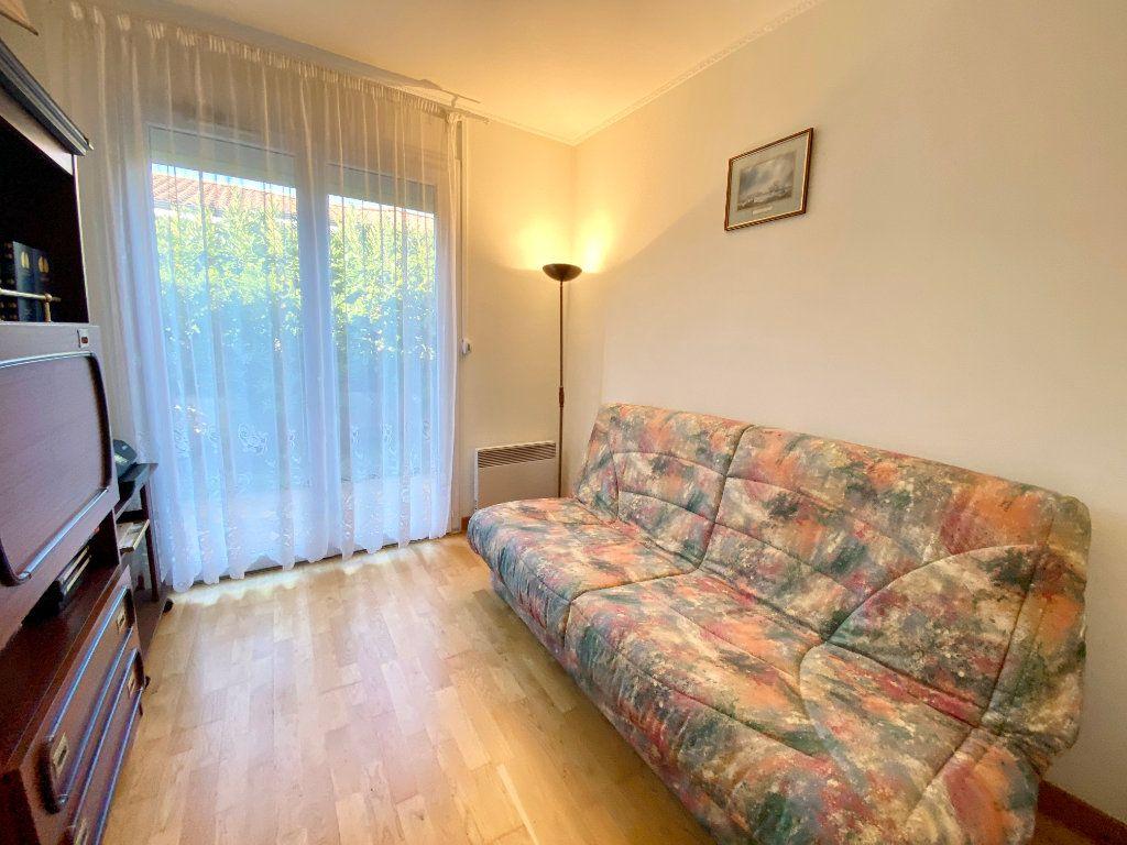 Maison à vendre 5 122m2 à Mérignac vignette-8