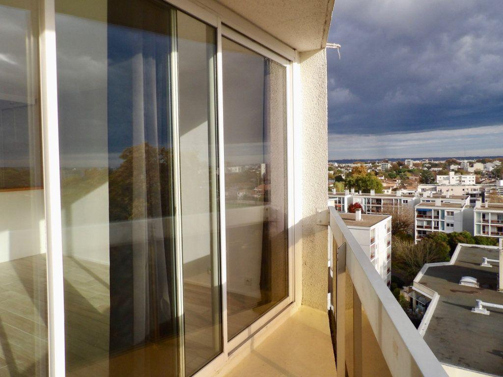 Appartement à vendre 1 31m2 à Bordeaux vignette-1