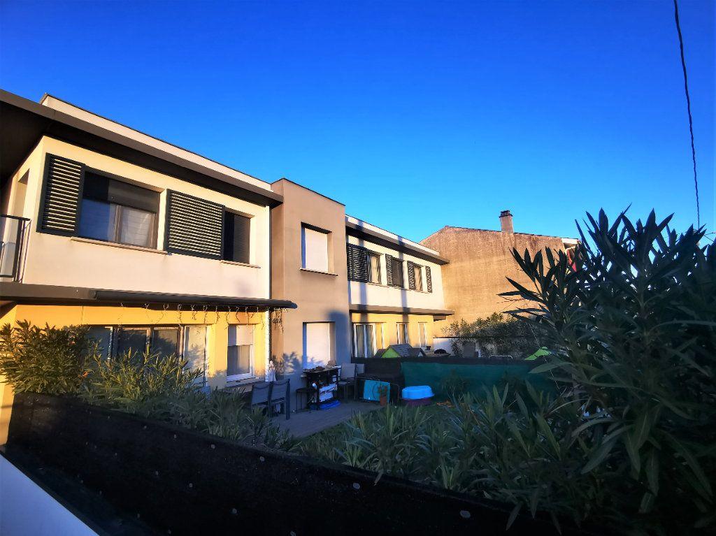 Maison à vendre 3 59.45m2 à Mérignac vignette-3