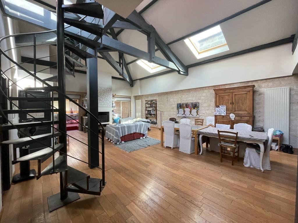 Appartement à vendre 4 138.33m2 à Bordeaux vignette-2