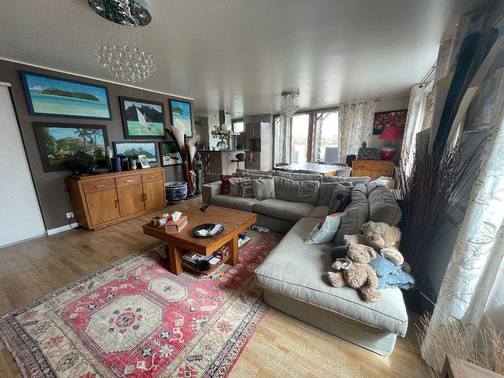 Appartement à vendre 4 102.61m2 à Bordeaux vignette-2