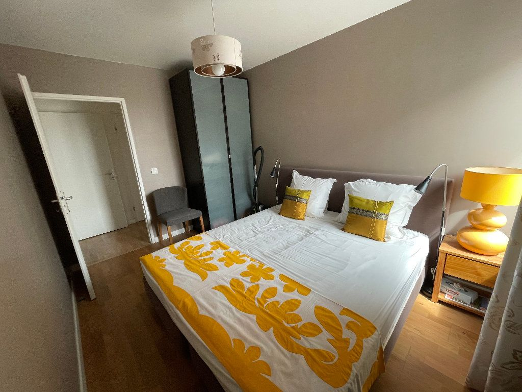 Appartement à vendre 4 102.61m2 à Bordeaux vignette-5