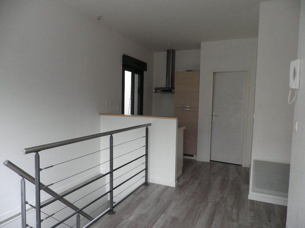 Appartement à louer 1 21m2 à Bordeaux vignette-3