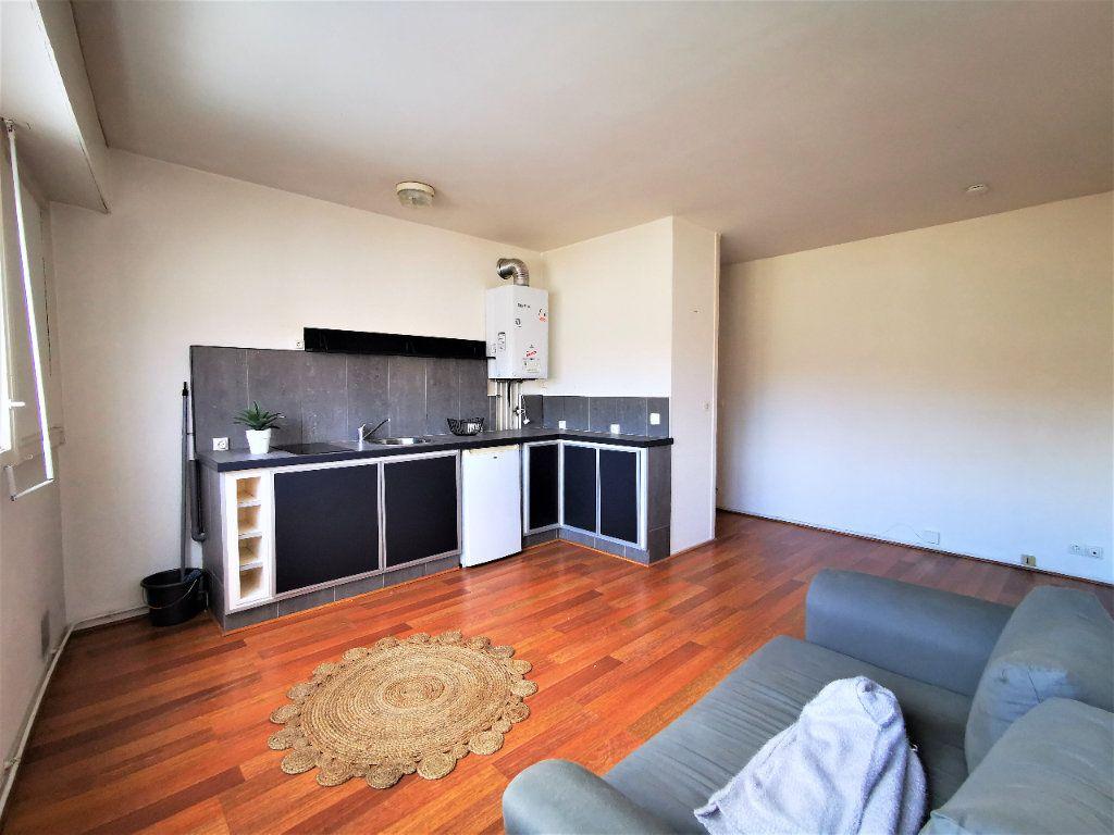 Appartement à vendre 2 35.36m2 à Bordeaux vignette-1