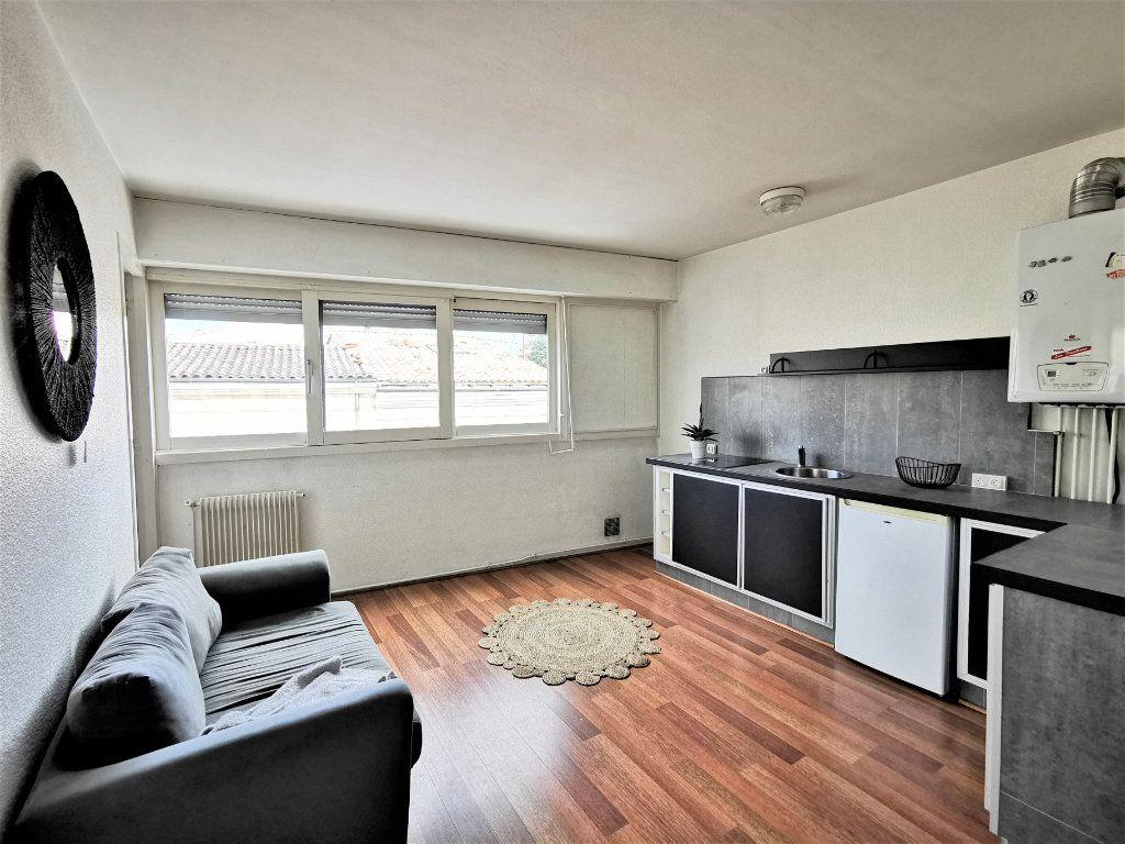 Appartement à vendre 2 35.36m2 à Bordeaux vignette-2