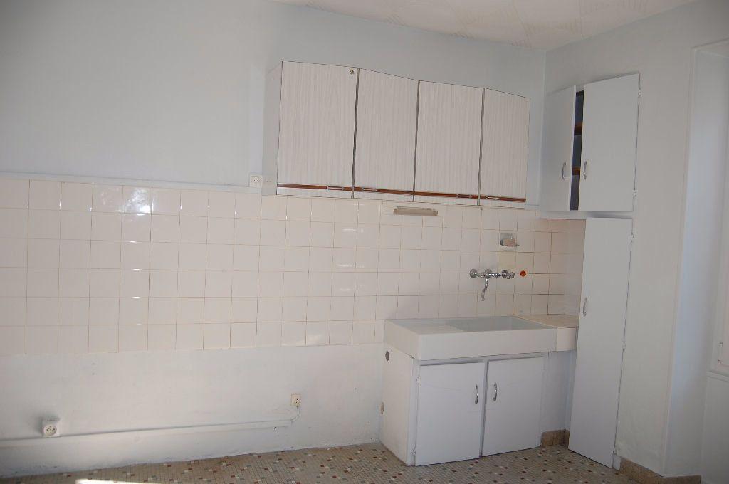 Maison à louer 3 65m2 à Sancerre vignette-2