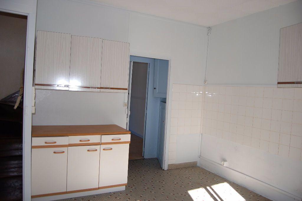 Maison à louer 3 65m2 à Sancerre vignette-4