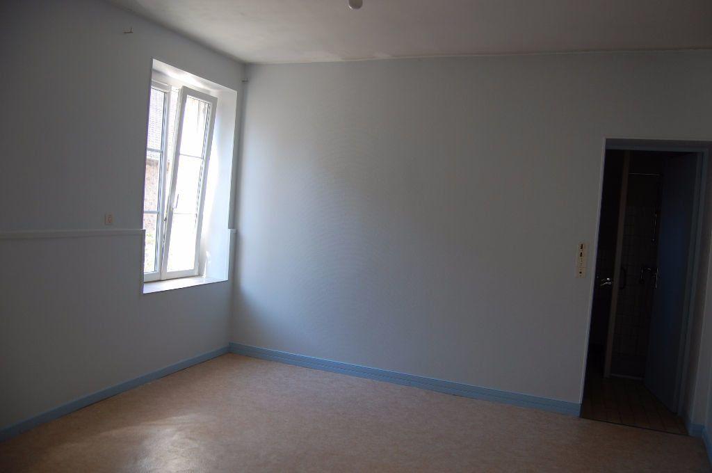 Maison à louer 3 65m2 à Sancerre vignette-5