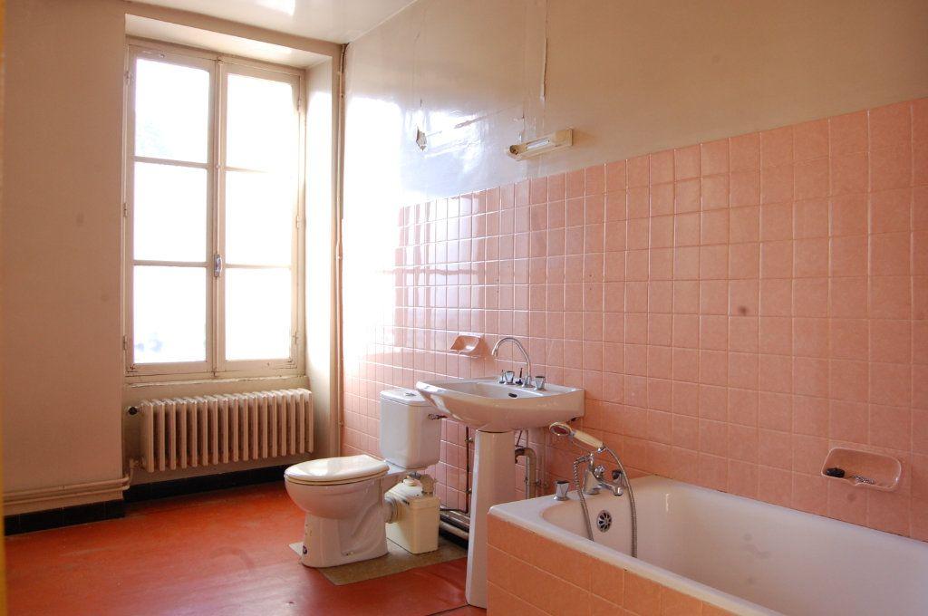Immeuble à vendre 0 163m2 à Vailly-sur-Sauldre vignette-11