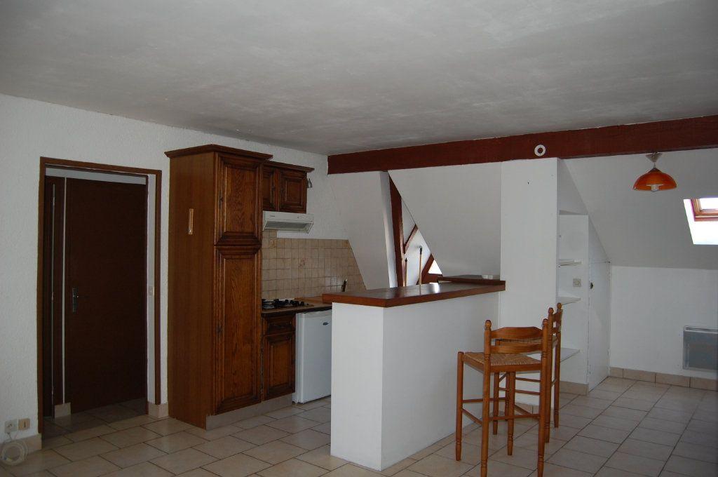 Appartement à louer 2 31m2 à Sancerre vignette-1