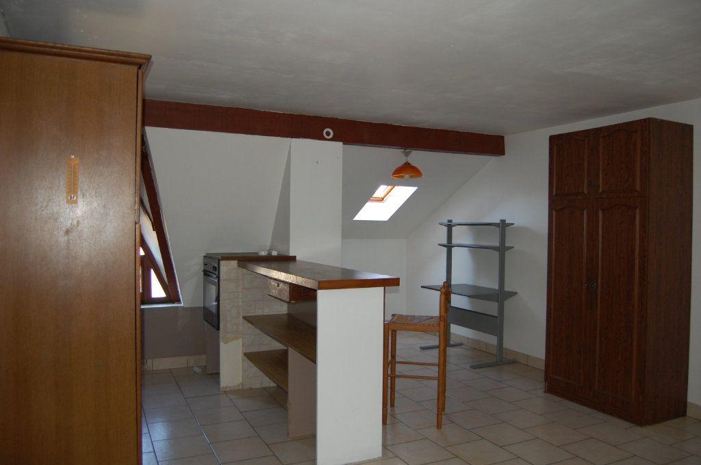 Appartement à louer 2 31m2 à Sancerre vignette-3