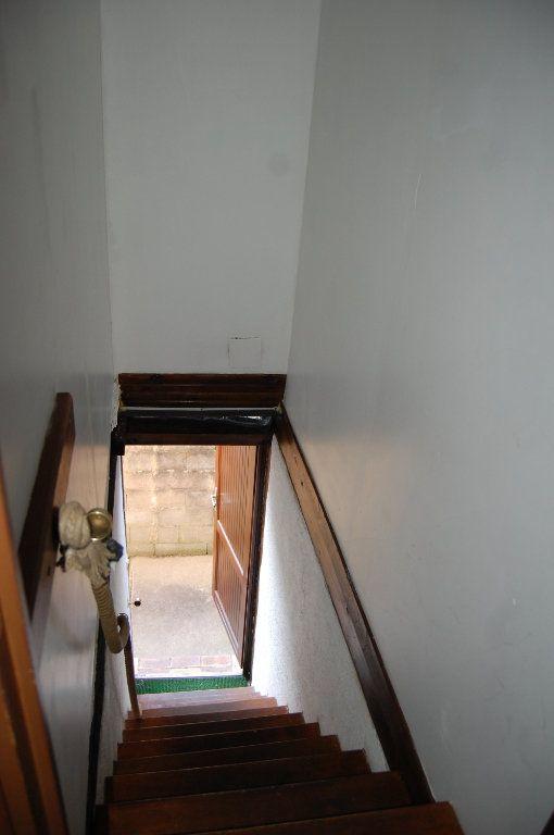 Appartement à louer 2 31m2 à Sancerre vignette-13