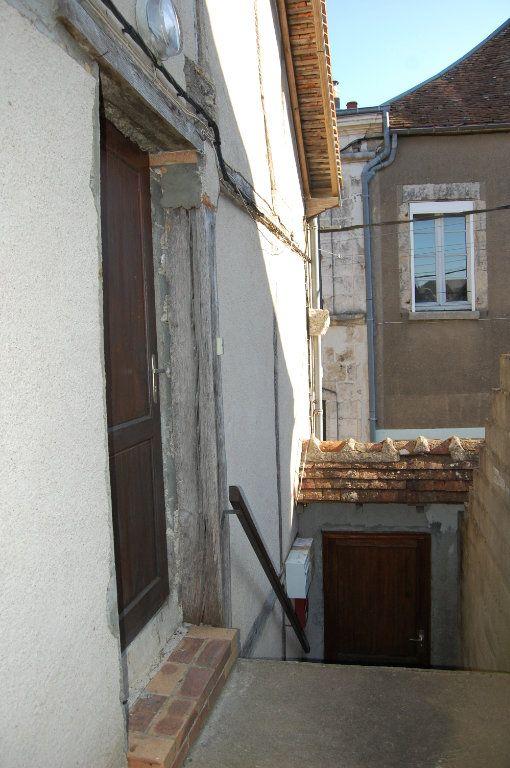 Appartement à louer 2 31m2 à Sancerre vignette-15