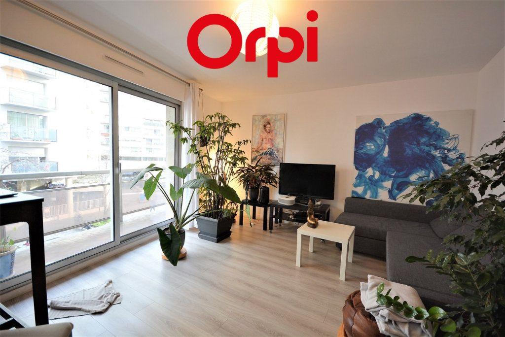 Appartement à vendre 3 70m2 à Paris 12 vignette-6