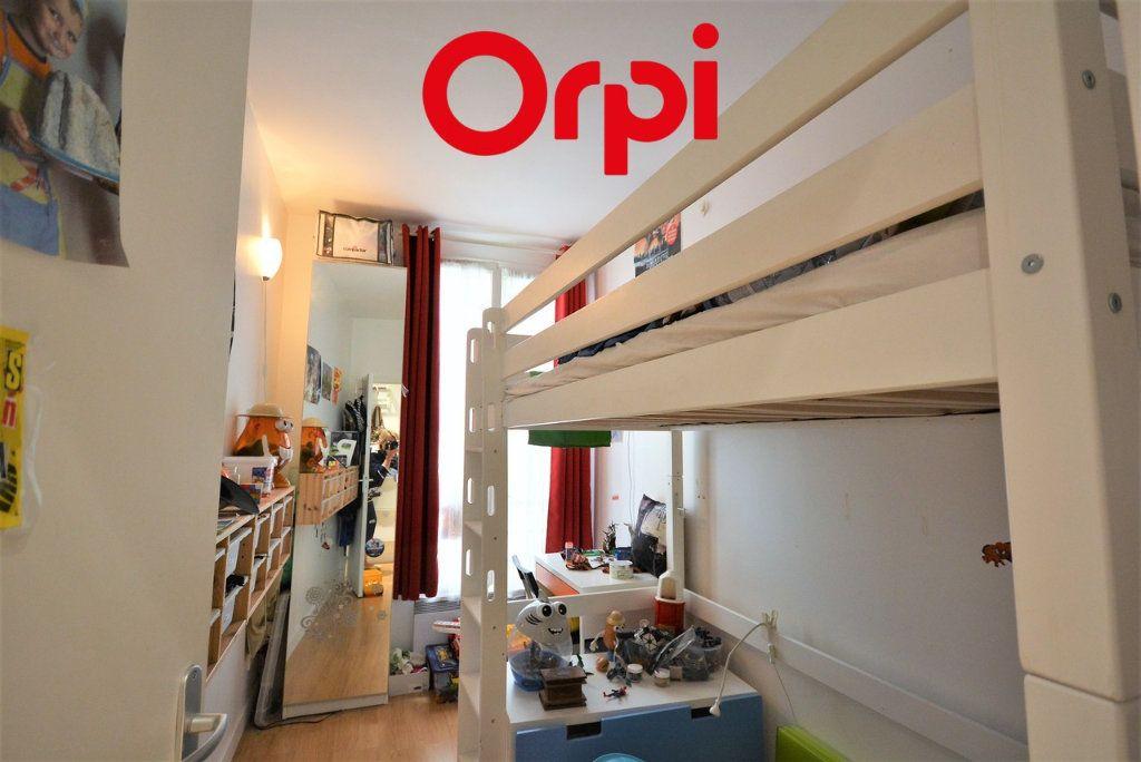 Appartement à vendre 3 48.41m2 à Paris 10 vignette-6