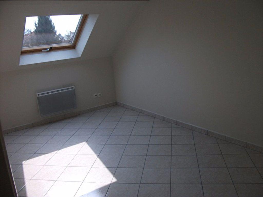 Appartement à louer 3 62.45m2 à Quincy-Voisins vignette-6