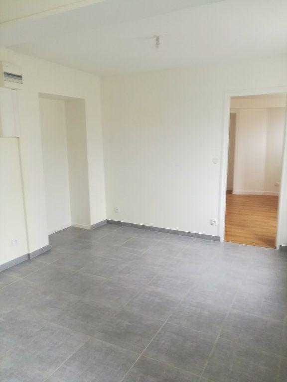 Appartement à louer 2 35.17m2 à Armentières-en-Brie vignette-1
