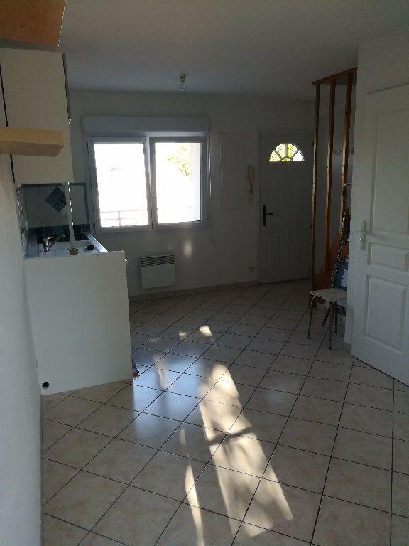 Appartement à louer 2 23.13m2 à Villemareuil vignette-2