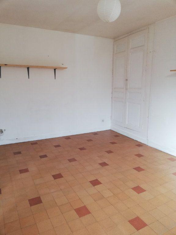 Maison à louer 2 48m2 à Beaulieu-les-Fontaines vignette-3