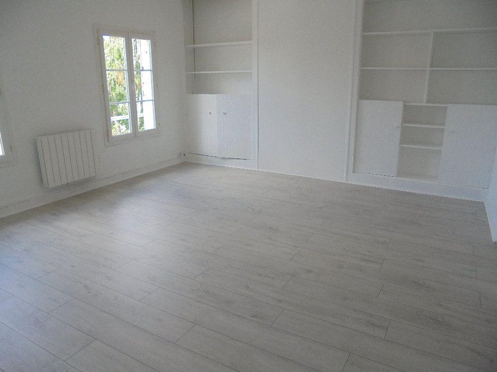 Appartement à louer 2 58m2 à Noyon vignette-1